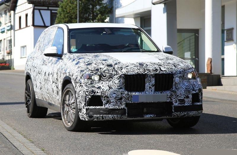 2019-BMW-X5-M.jpg