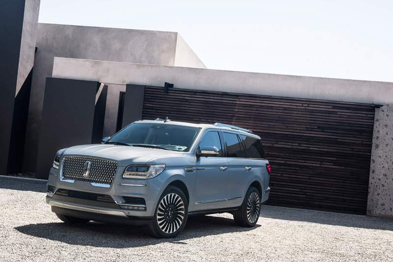 2019 Lincoln Navigator Hybrid Concept Ready for Debut | 2019 - 2020 SUVs2019 – 2020 SUVs