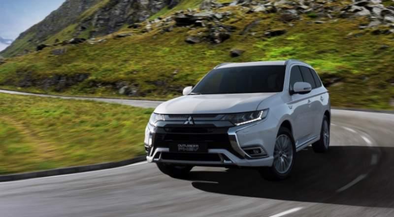 2019 Mitsubishi Outlander PHEV, GT, Sport Versions | 2019 ...