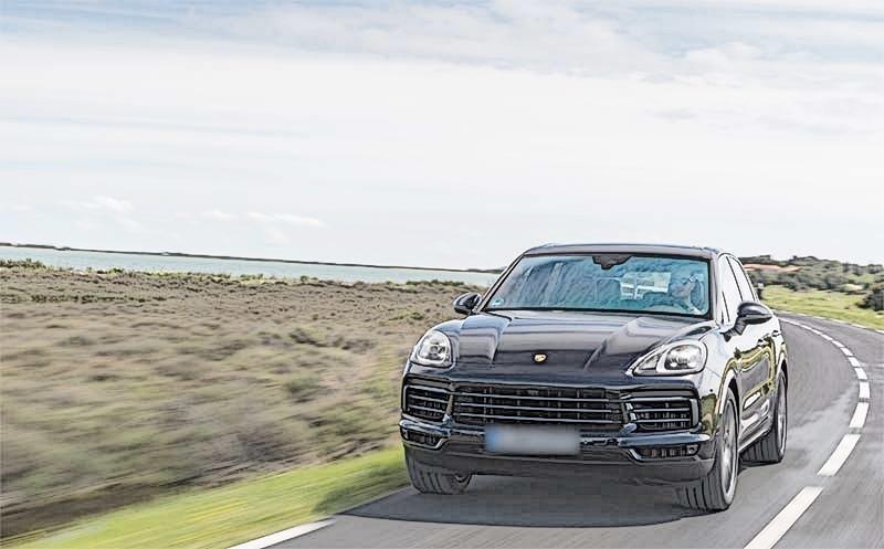 2019-Porsche-Cayenne-E-Hybrid-front.jpg