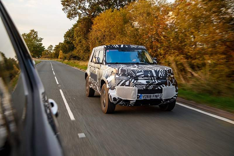 2020-Land-Rover-Defender-spy-shots-1.jpg