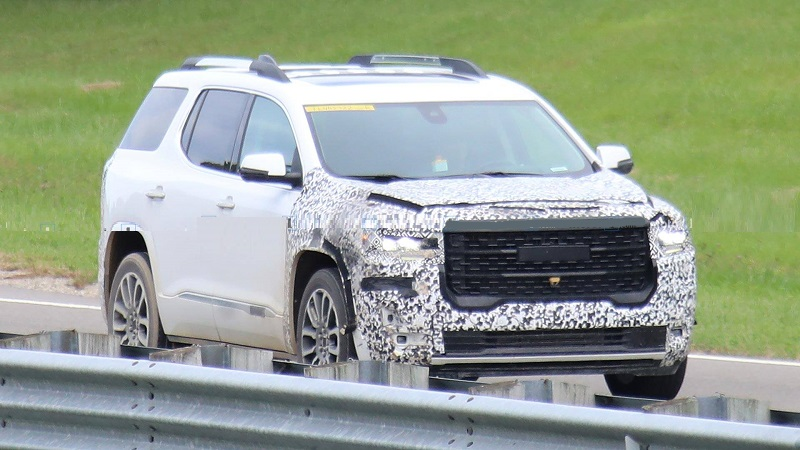 2020-GMC-Acadia-spy-photos.jpg