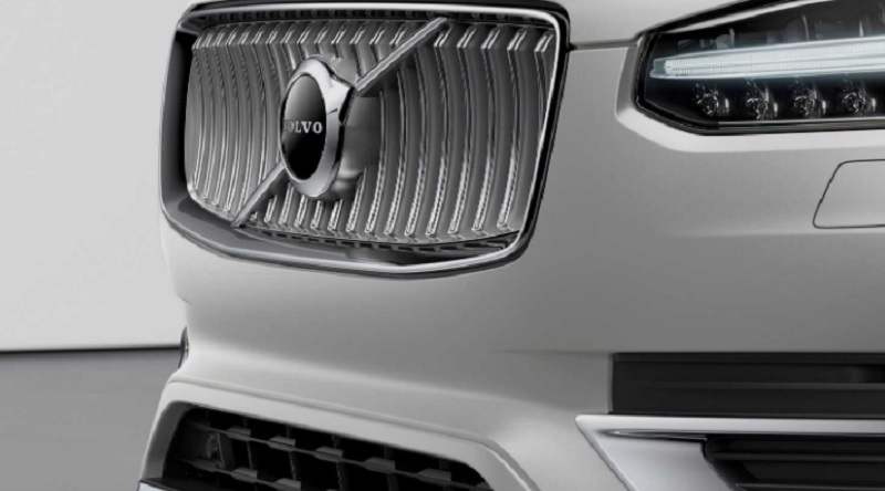 2021-Volvo-XC90-.jpg